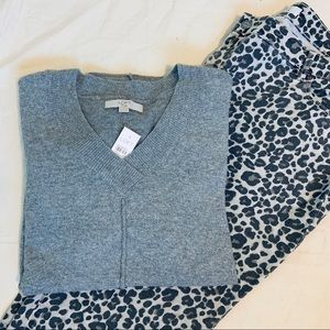 NWT💋 LOFT Plus Gray V Neck Sweater